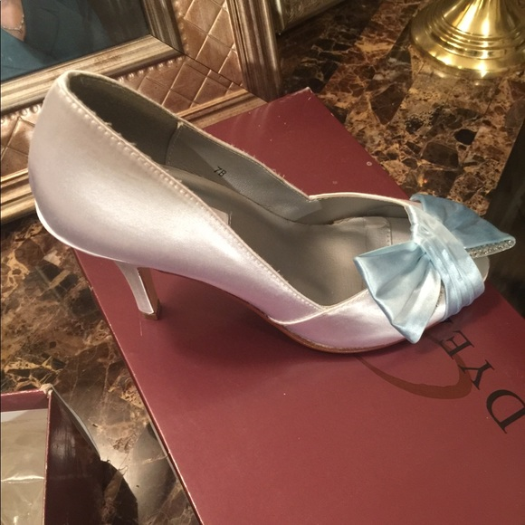 32f89921b5d Dyeables size 7B wedding shoes white with blue
